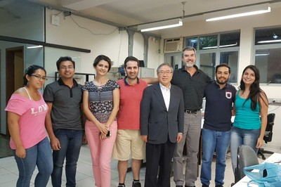LAMAV´s group and Professor Inoue in the LAMAV´s students room at Federal University of São Carlos.